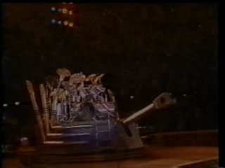 "1983 -  'Kiss' - ""Ao Vivo"". Live concert in Rio De Janeiro (Brazil,Maracana stadium) + INTERVIEW."